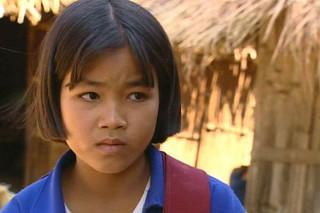 ビルマ、パゴダの影で