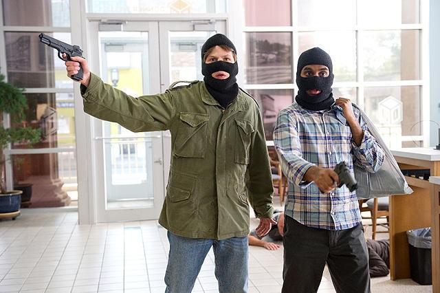 銀行 時限 爆弾 強盗 アメリカ
