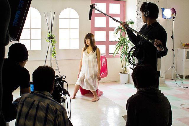 成田梨紗の「すべては「裸になる」から始まって」の画像