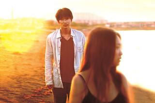 そこのみにて光輝くの映画評論『明けない夜はない 夭折の作家・佐藤泰志を照らす、忘れがたい街の眼差し』