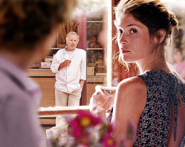 ジェマ・アータートンの「ボヴァリー夫人とパン屋」の画像