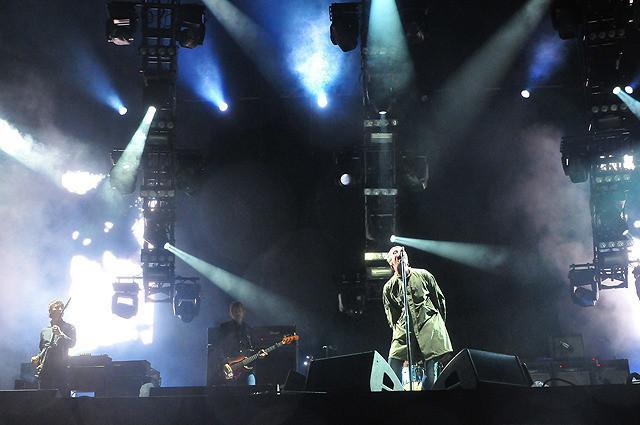 リアム・ギャラガーの「oasis FUJI ROCK FESTIVAL'09」の画像