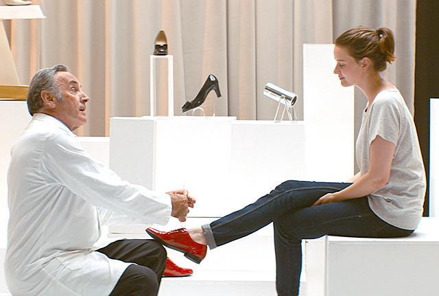 ポーリーヌ・エチエンヌの「ジュリーと恋と靴工場」の画像