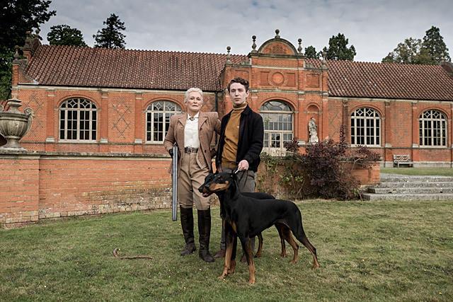 グレン・クローズの「アガサ・クリスティー ねじれた家」の画像