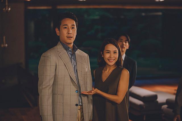 イ・ソンギュンの「パラサイト 半地下の家族」の画像