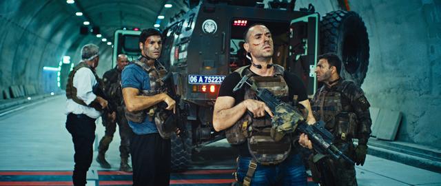 エミール・バンダーリオグルの「特殊部隊ウルフ・スクワッド」の画像