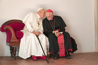 2人のローマ教皇の評論