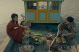 フードロア 彼は魚をさばき、彼女は花を食べる
