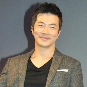 クォン・サンウ