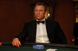 007 カジノ・ロワイヤルの映画評論・批評