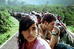 闇の列車、光の旅の映画評論・批評