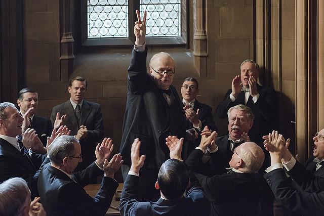 ウィンストン・チャーチル ヒトラーから世界を救った男の映画評論・批評