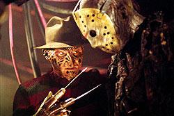 鉤爪フレディ(左)とホッケーマスクのジェイソン