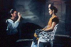 ジュリー・テイモア監督(左)とサルマ・ハエック