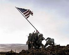 擂鉢山に旗を掲げた6人の米兵たちは…