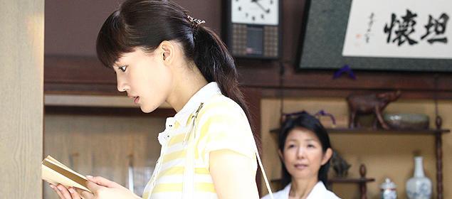 教師としての自分に迷う美香子。23歳の等身大の女性の姿が共感を呼ぶはず
