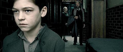 11歳のトム・リドル役は、 ヴォルデモート役レイフ・ファインズの甥っ子