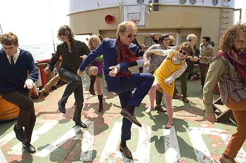 ロックと自由を愛する陽気な「海賊」たち
