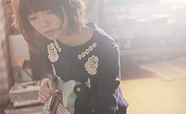宮崎が歌とギターを披露するシーンは映画の白眉だ