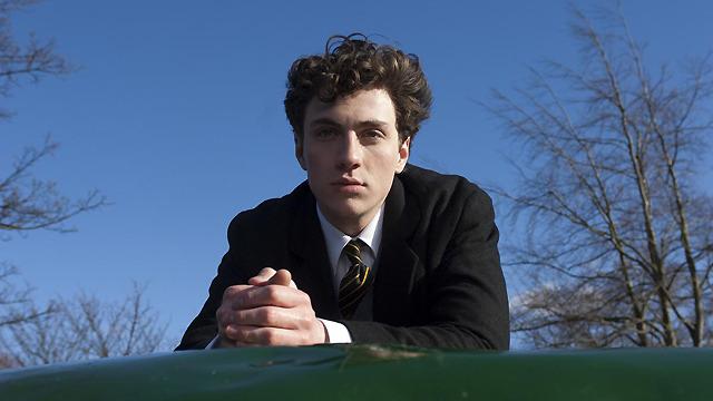 1990年生まれの20歳。本作でイギリス・インディペンデント映画賞最優秀主演男優賞にノミネート