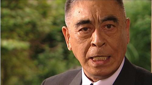 チー公グループのリーダーを演じるのは、故・高松英郎