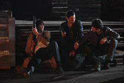 舞台を韓国、主要キャラクターの設定を脱北者にアレンジして、描かれるドラマがより濃密に