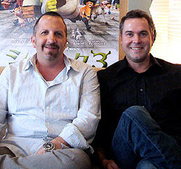 製作アーロン・ワーナー(左)と監督クリス・ミラー(右)