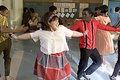 最初は全く踊れなかったニッキーが 見事なダンサーに変貌