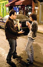 撮影現場のJ・J・エイブラムス(左)