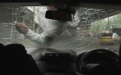 「ザ・レイド」で世界を驚かせた暴力描写が満載