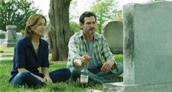 監督の妻、フェリシティ・ハフマンが妻役に