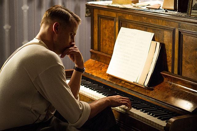 彼は音楽を愛する元作曲家だった