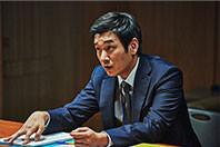 検事役のチョ・スンウ