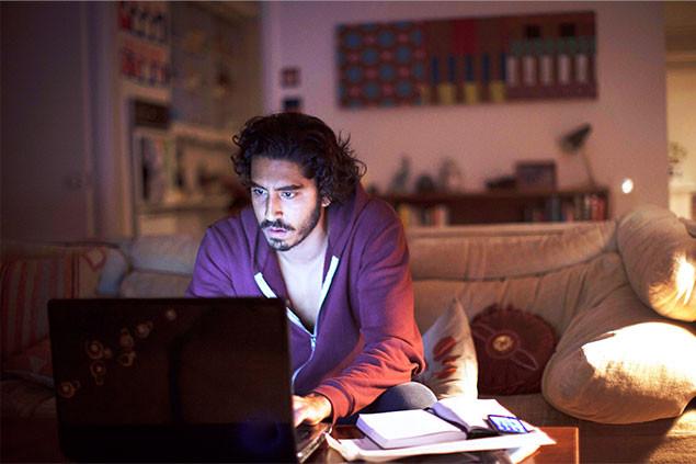 インドで迷い、オーストラリアで成長した主人公が、Google Earthで故郷を探す!