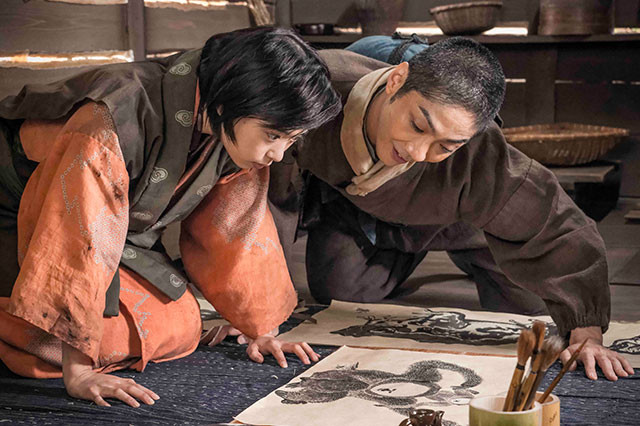 武将との対決、利休との友情に加えて、親を失った少女との心の交流も共感のポイント
