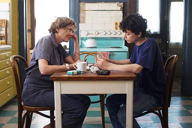 母親を演じるのはアネット・ベニング、息子役は新人ルーカス・ジェイド・ズマン