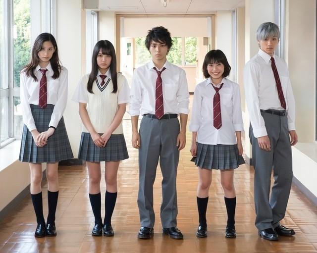 クランクインの様子 (左から)金城、加藤、村上、吉田、山田