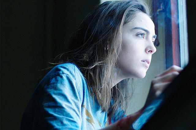 自然光を使った柔らかい映像とアンモラルな物語のコントラストが、強烈な印象を与える